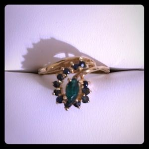Emerald and Sapphire Ring in 10kt Gold